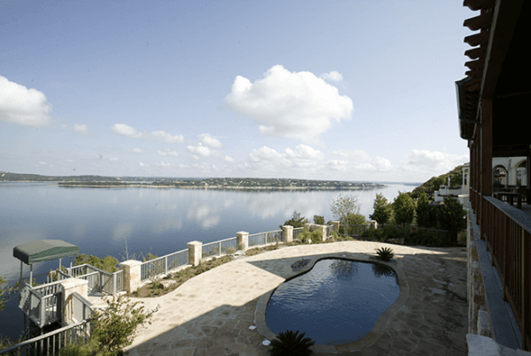 Waterfront-Avenue_Exterior_03_Pool